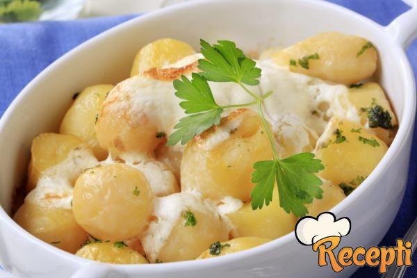 Mlad krompir sa kajmakom