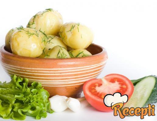 Mladi krompir sa šampinjonima