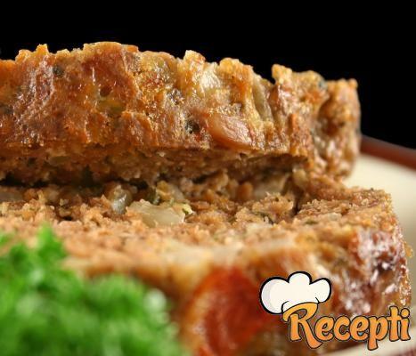 Rolat od mlevenog mesa sa graškom