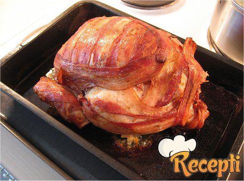 Pečeno pile u slanini