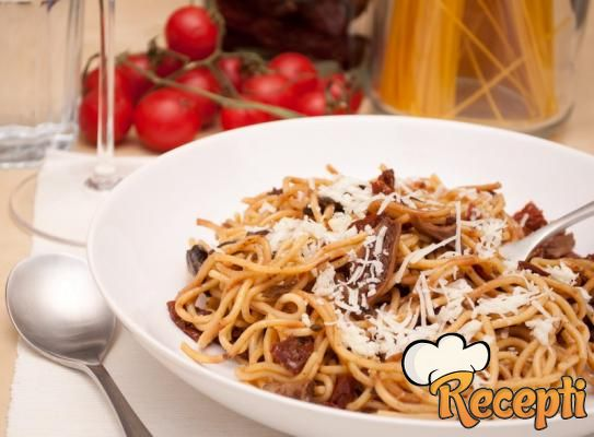 Špagete prosto fungi