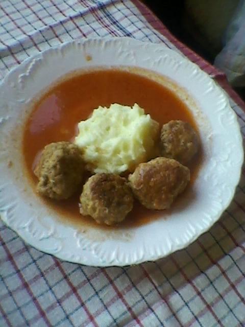 Ćufte u paradajz sosu (2)