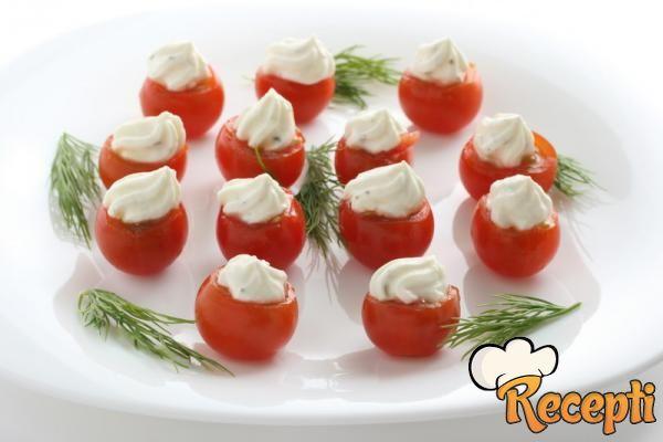 Punjen paradajz