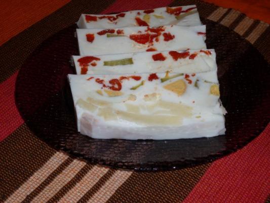 Šarene pihtije sa jogurtom