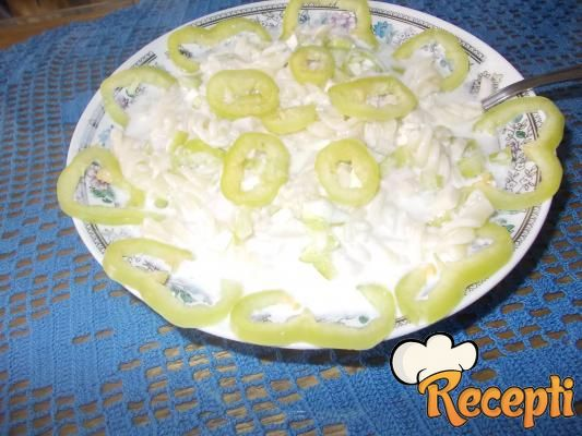Hladna salata sa jogurtom