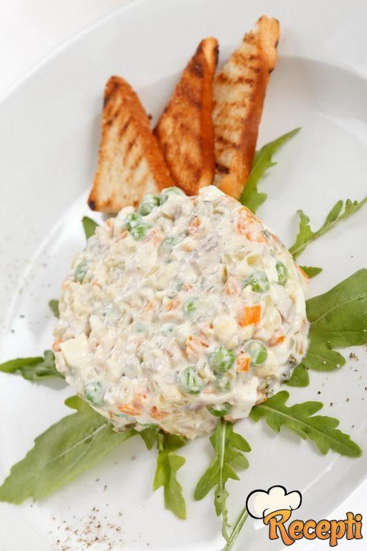 Ruska salata sa belim mesom