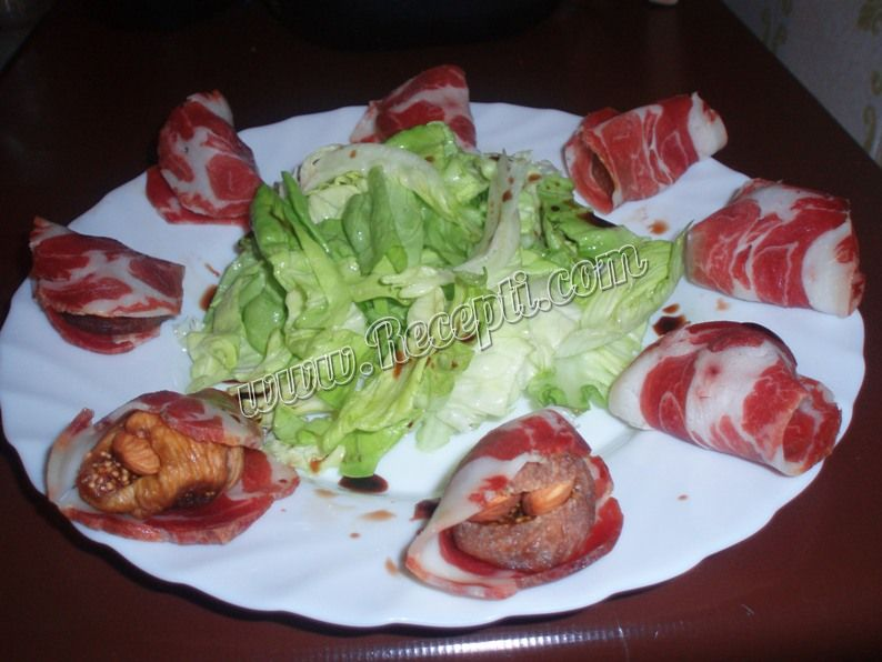 Punjene smokve i ajzberg salata
