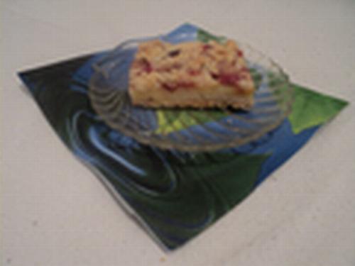 Hrskavi kolač sa šljivama