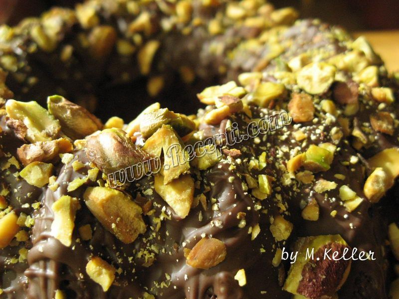 Kuglof sa pistaćima