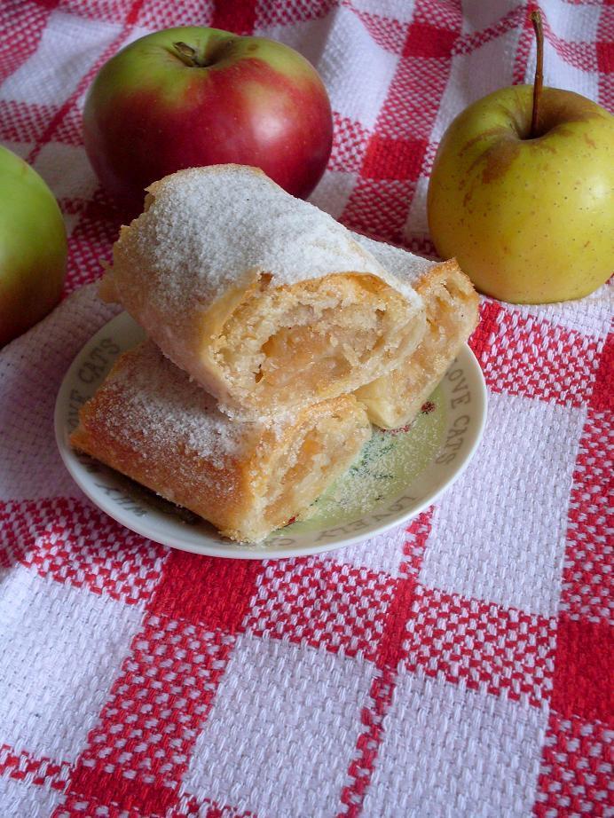 Posna pita s' jabukama