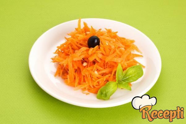 Salata od sveže strugane šargarepe