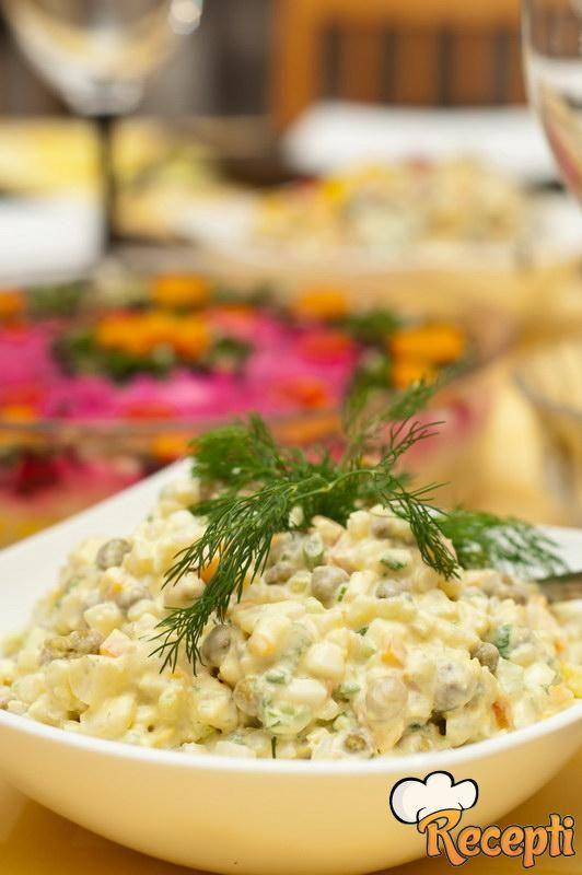 Pileća mešana salata