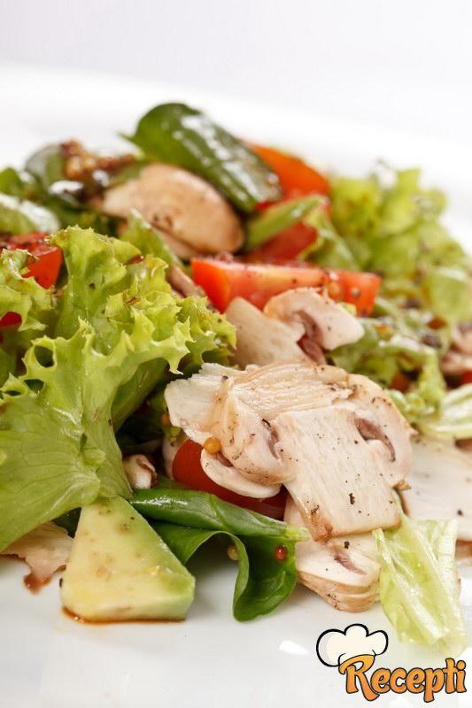 Salata od mešanih pečurki