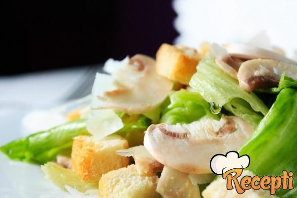 Salata od svežih pečurki