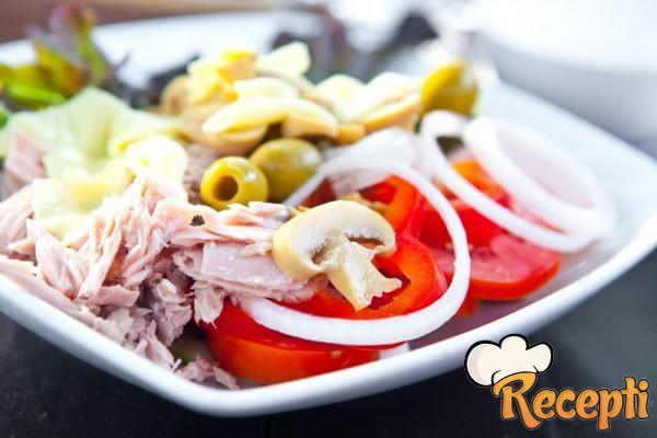 Salata sa tunjevinom i šampinjonima
