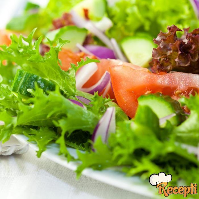Mešana letnja salata