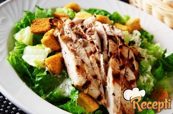 Salata sa pilećim belim mesom