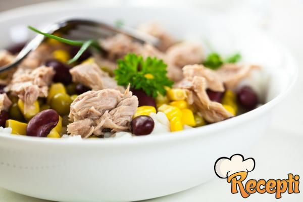Salata od pasulja sa tunjevinom