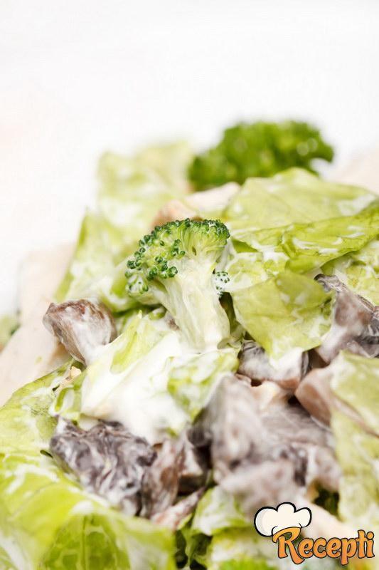 Salata sa šampinjonima i piletinom