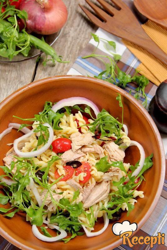 Salata sa makaronama i tunjevinom