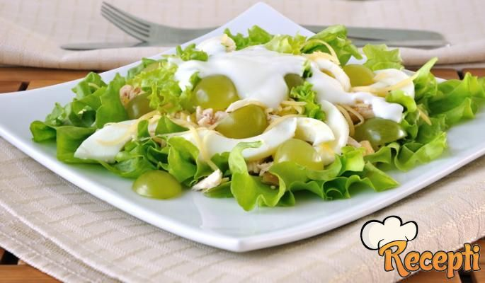 Salata od piletine i grožđa