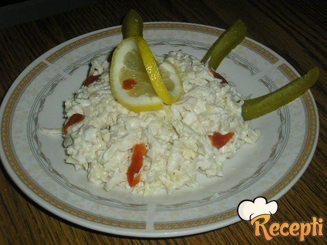 Salata sa pilećim belim mesom i celerom