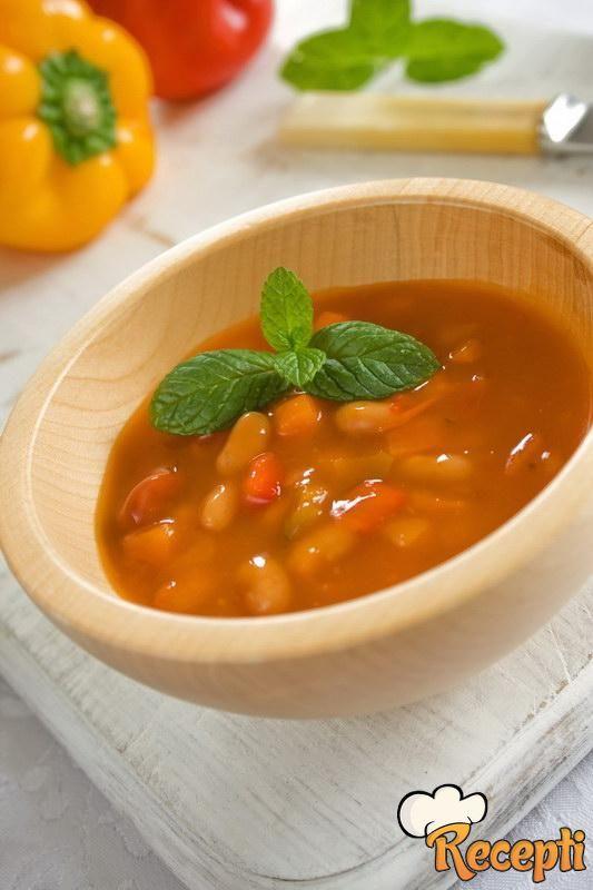 Pikantna supa od pasulja