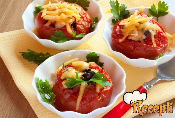 Zapečeni punjeni paradajz