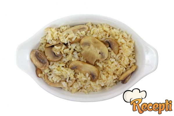 Šampinjoni sa pirinčem