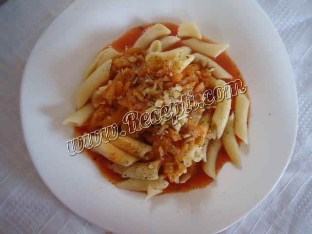 Posne makarone u sosu od pečurki