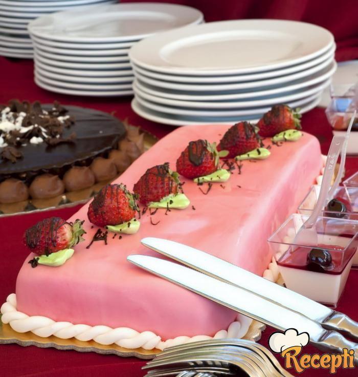 Starinska ružičasta torta