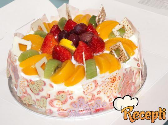 Mašina torta od voća