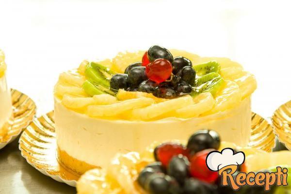 Voćna torta sa ananasom