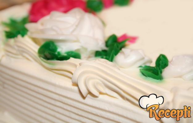 Letnja torta sa plazmom i višnjama