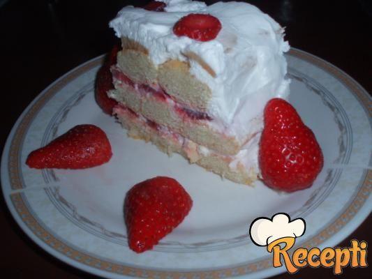 Brza torta sa jagodama (2)