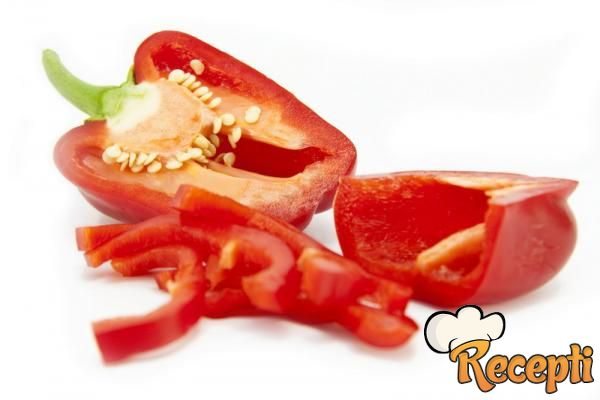 Rezanci paprika u paradajz sosu
