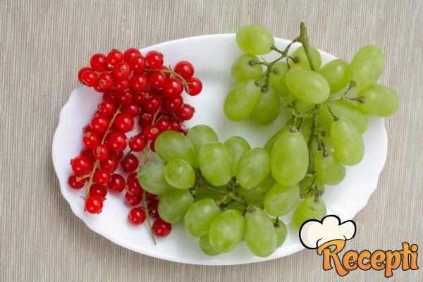 Pekmez od grožđa i ribizli