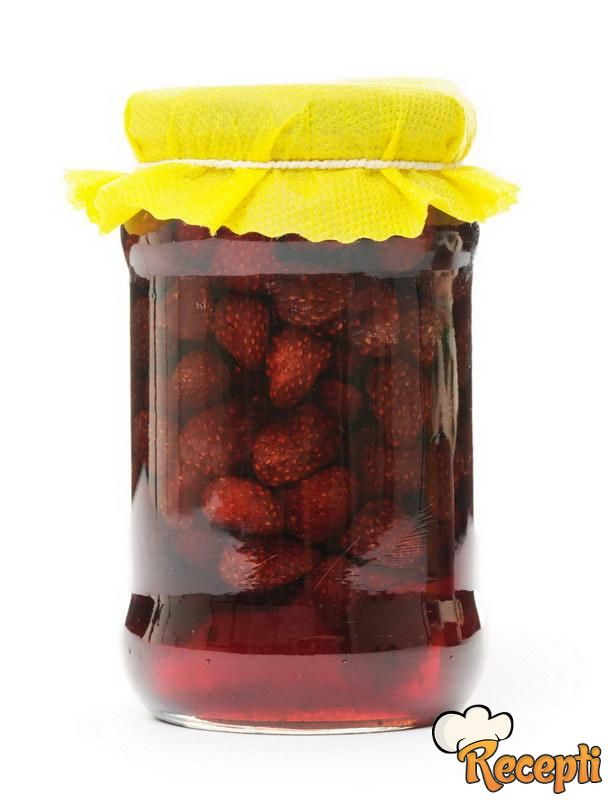 Slatko od šumskih jagoda