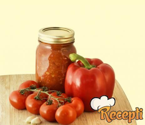 Paprike u paradajzu