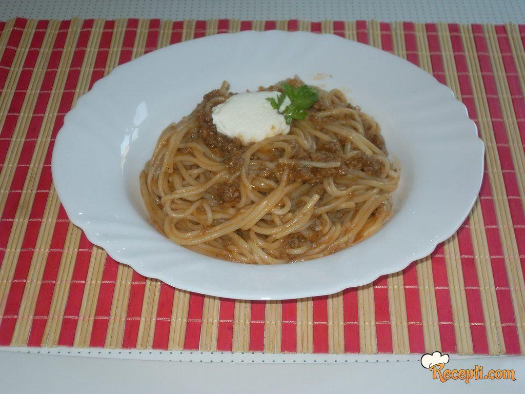 Špagete bolonjeze (2)