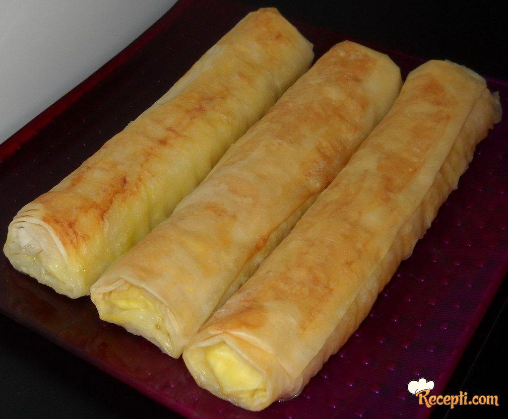 Roll pita sa sirom