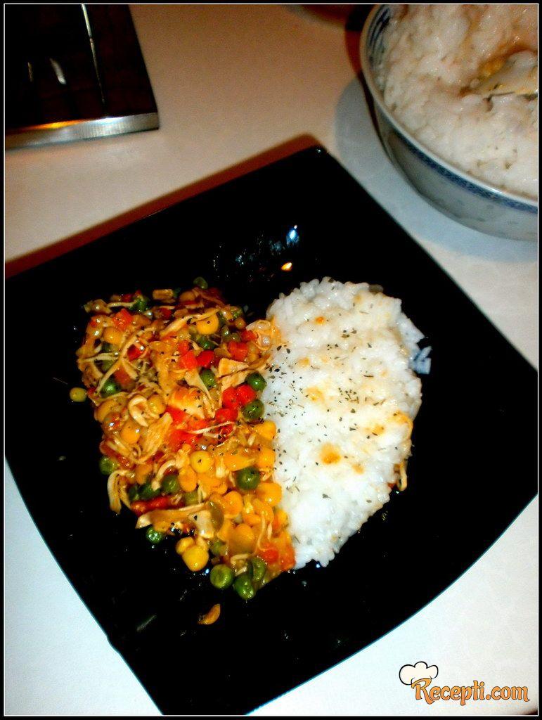 Piletina sa povrćem i rižom