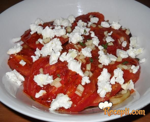 Salata sa grilovanim paradajzom