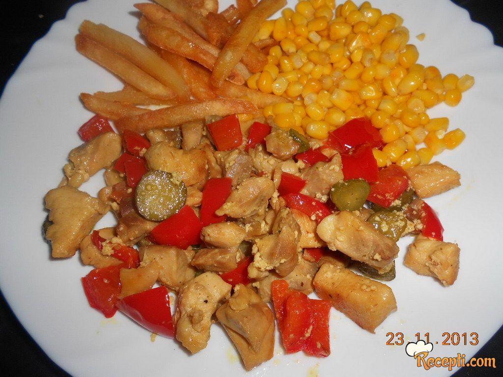 Piletina sa kiselim krastavcima