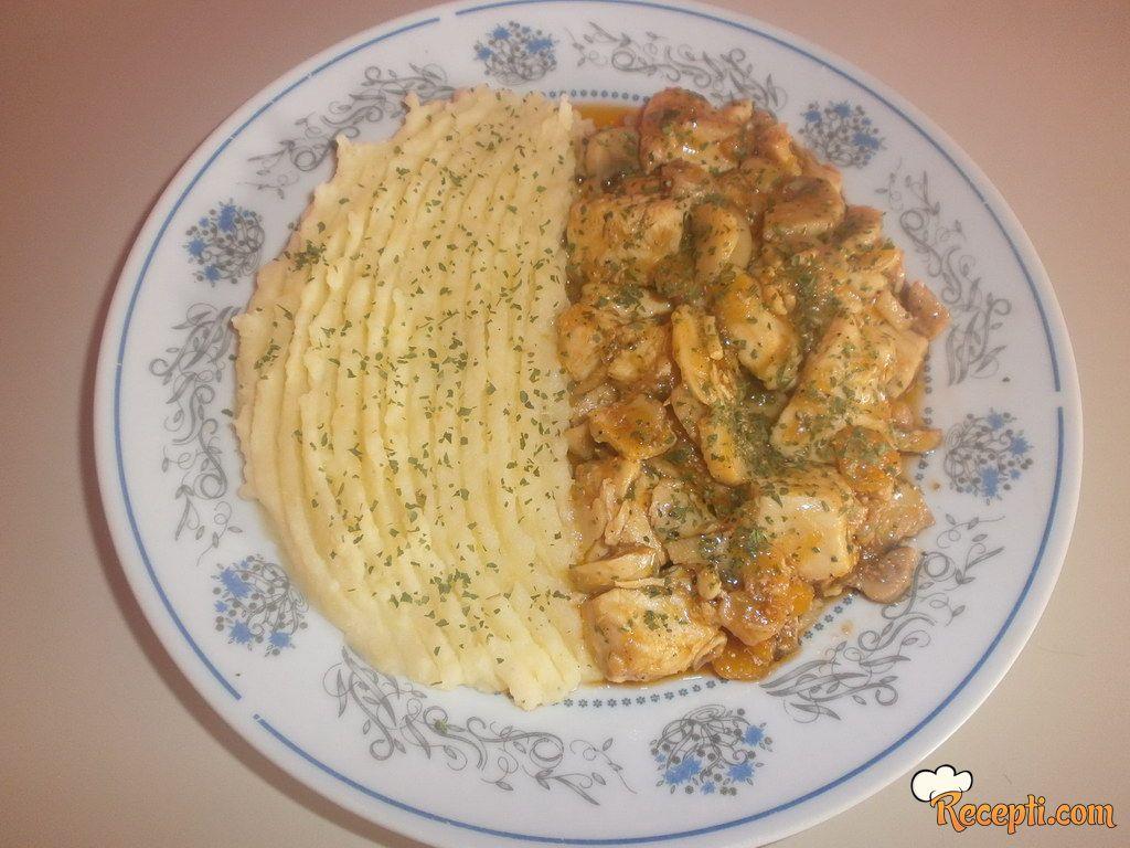 Piletina sa kikirikijem (2)