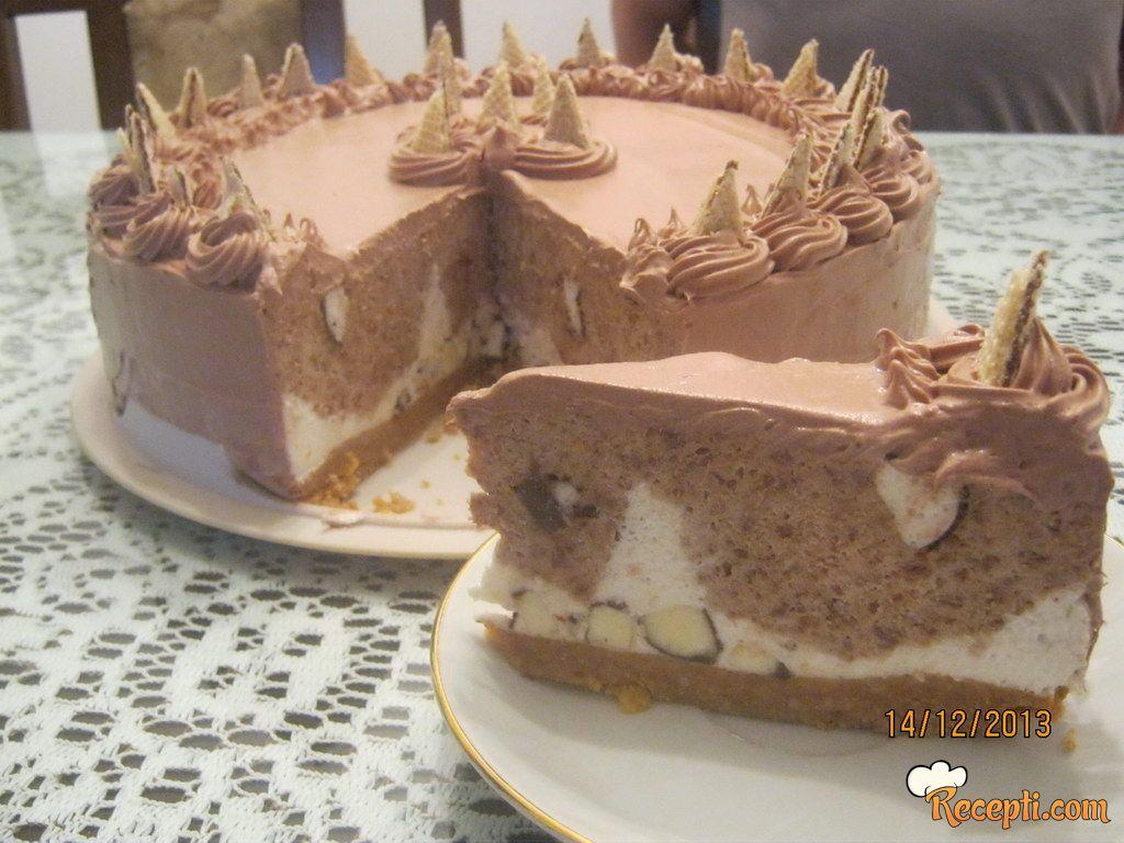 Torta sa napolitankama od lešnika