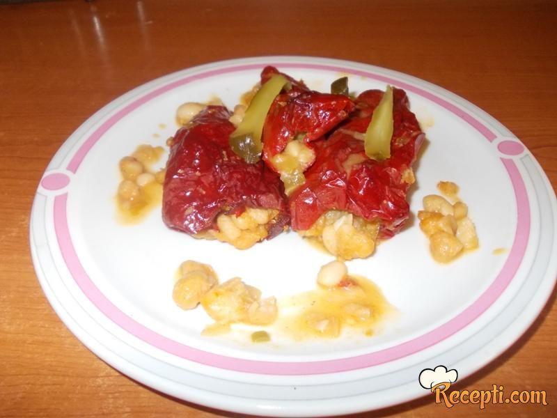Posna paprika punjena pasuljem