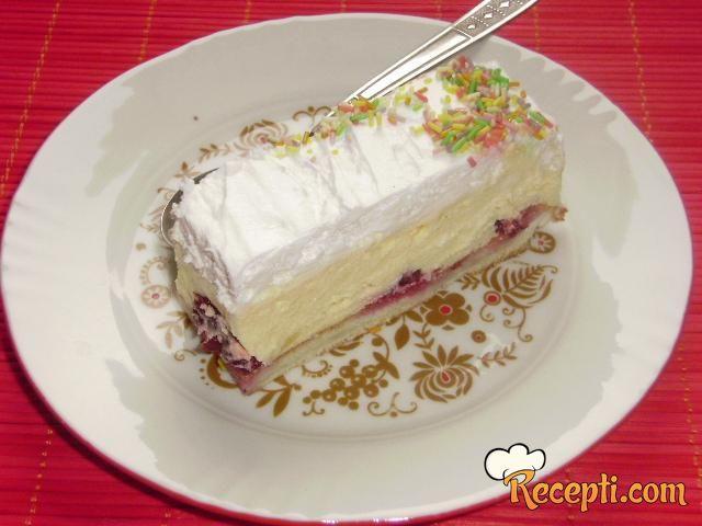 Krem torta sa višnjama