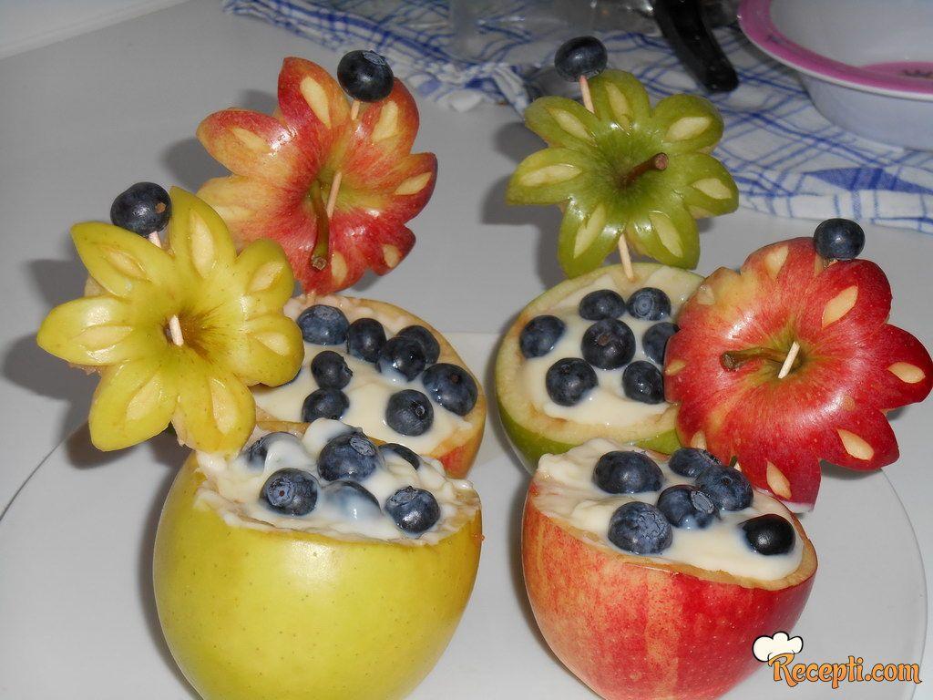 Jabuka punjena pudingom
