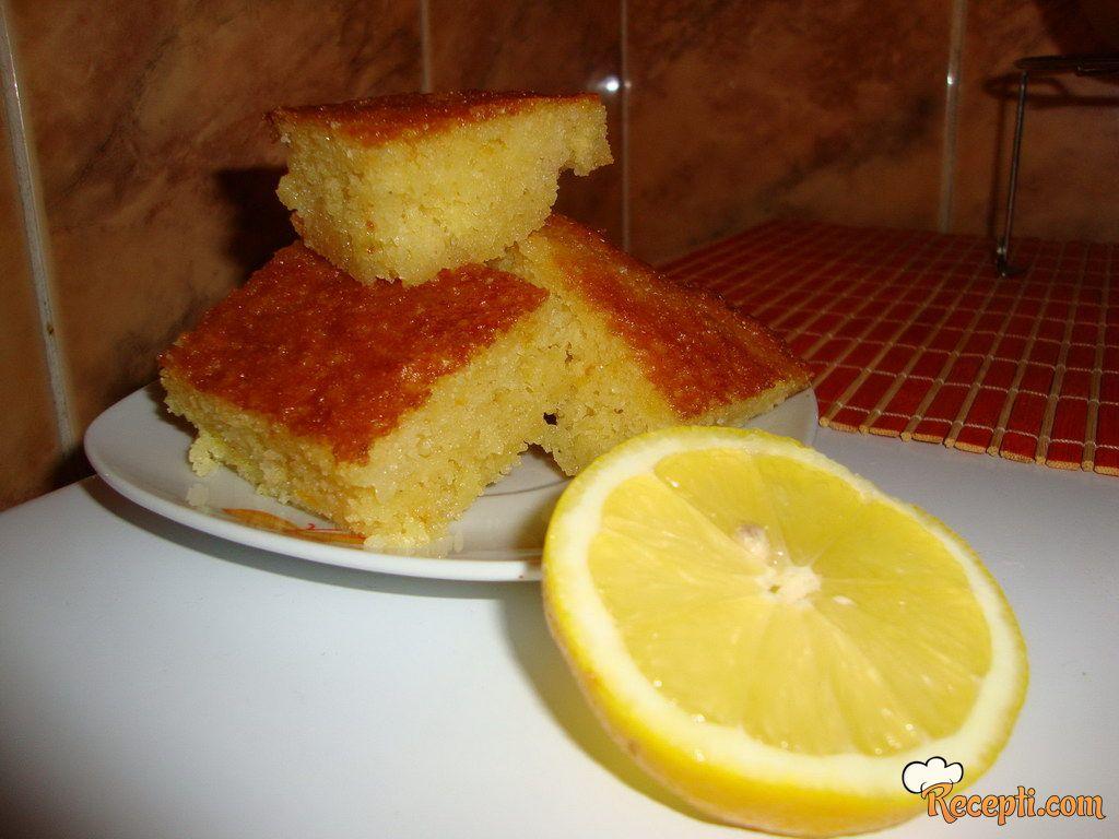 Limun kolač bez ulja